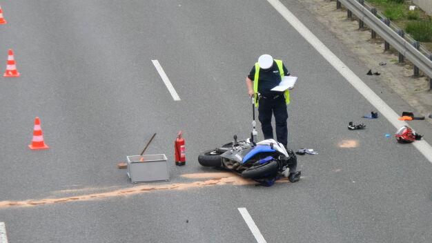 Wypadek na S8. Motocyklista zderzył się z autem