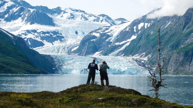 Topniejące lodowce rzeźbią powierzchnię Ziemi