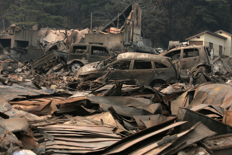 Tsunami i trzęsienie ziemi spustoszyły Tohoku